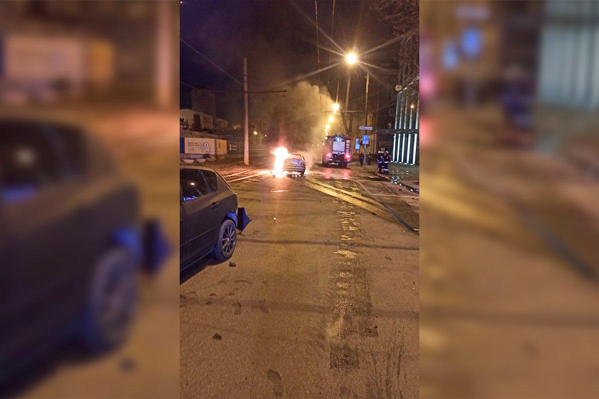 В центре Днепра из-за жесткого ДТП загорелся автомобиль: подробности, фото-2