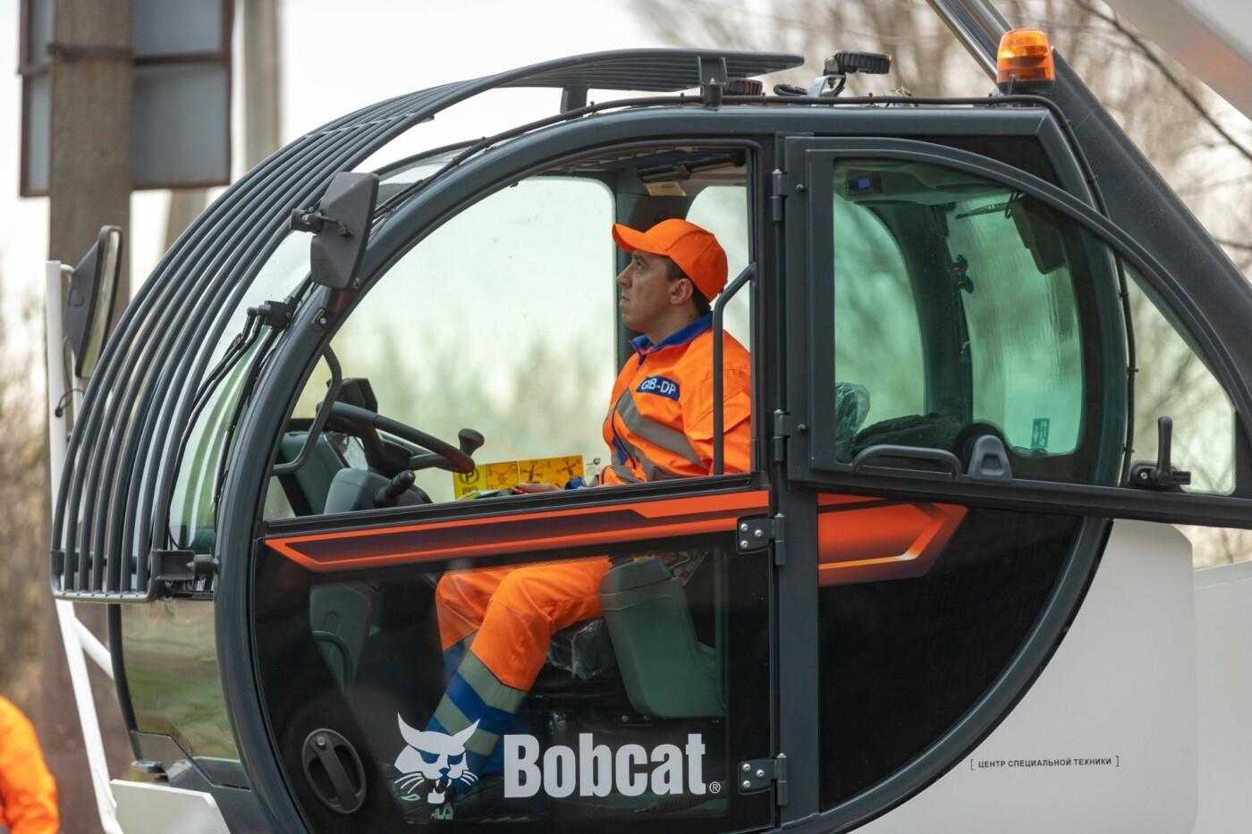 """В Днепре появился """"робот-трансформер"""" для устранения аварийных деревьев, - ФОТО, фото-11"""