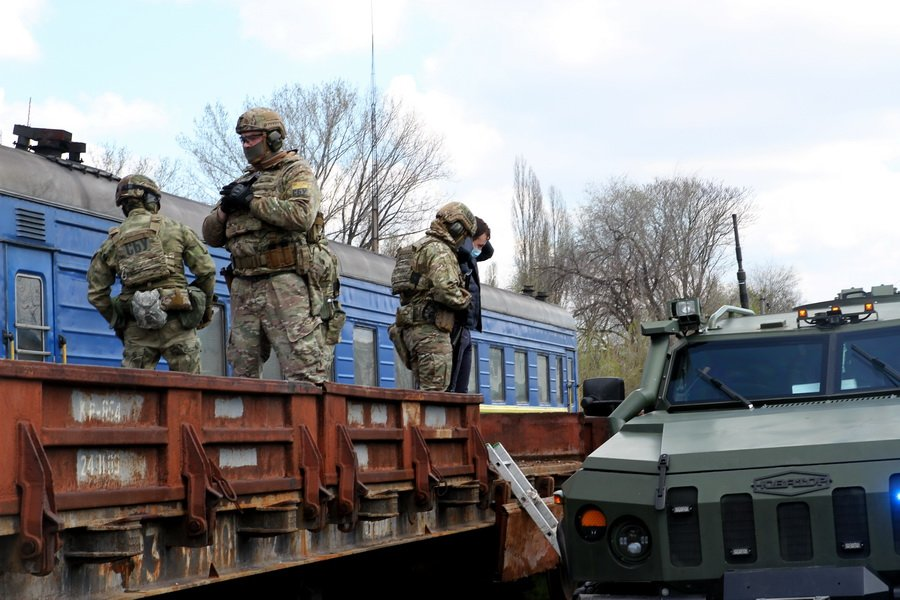 """В Днепре СБУ и военные взяли штурмом поезд с """"террористами"""": подробности, фото-4"""