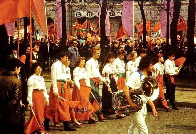 """Забастовки или масштабные гуляния: как в Днепре праздновали """"майские"""" 50 лет назад, - ФОТО, фото-5"""