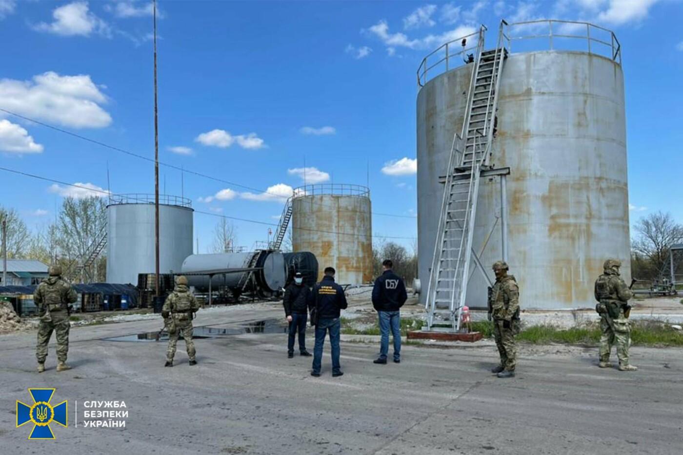 Миллионный оборот: в Днепре прикрыли нелегальный топливный завод, - ФОТО, фото-1
