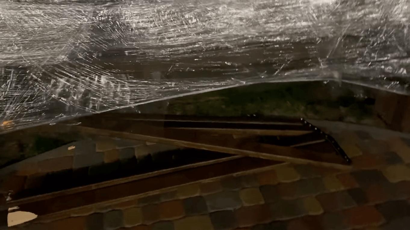В Днепре вандалы сломали новые качели в сквере Усачева: подробности, фото-1