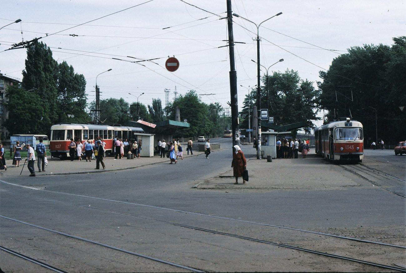 """""""Гармошки"""", ЛАЗы и """"квадратные"""" трамваи: на чем ездили днепряне в лихие 90-е, - ФОТО, фото-11"""