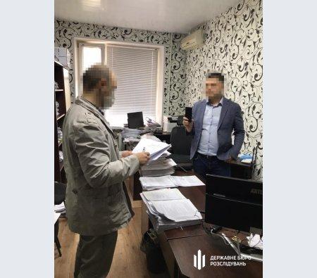 На Днепропетровщине прокурор пытался присвоить партию товара на общую сумму 10 000 000 гривен, фото-1