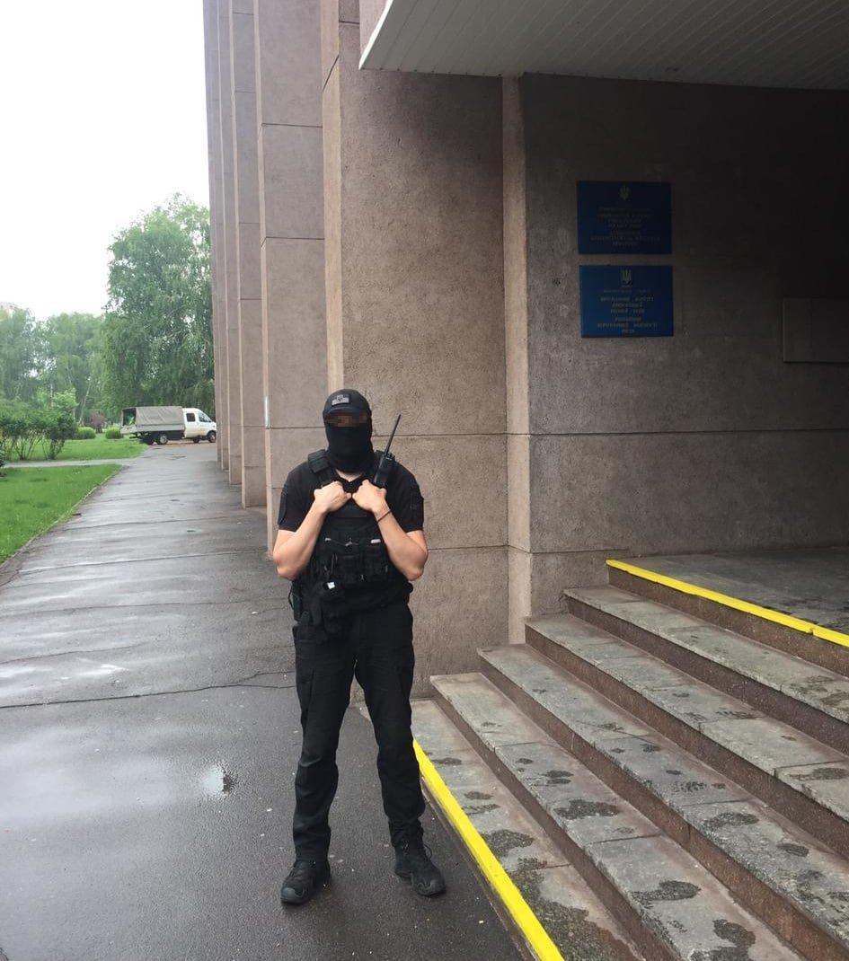 В горсовете на Днепропетровщине силовики проводят обыски, фото-2