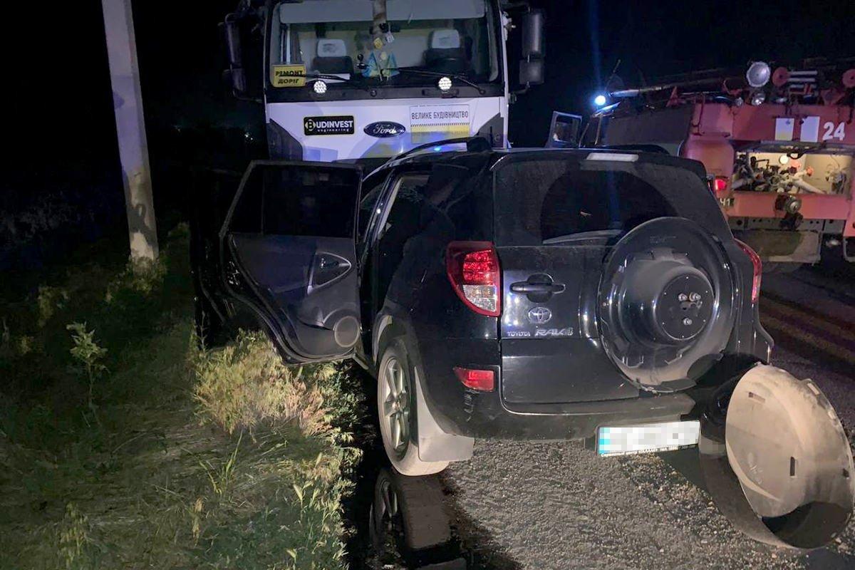 На трассе Днепр-Решетиловка столкнулись Toyota и самосвал: четверо погибших, фото-1