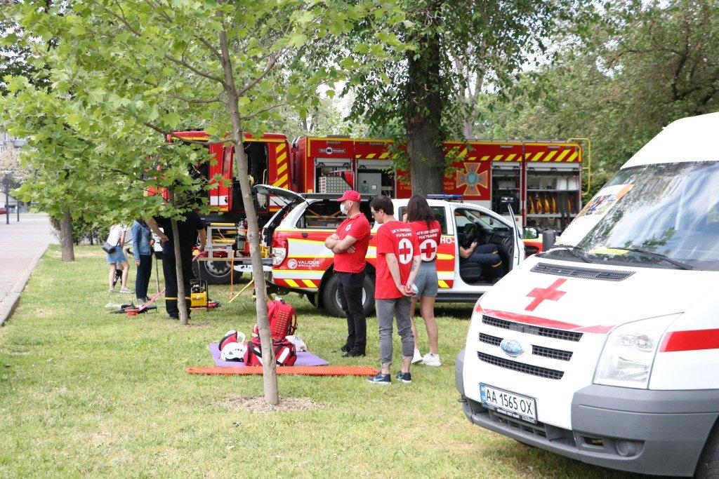 На Днепропетровщине спасатели провели масштабную благотворительную Акцию «Спасем Алису Шевчик», фото-2