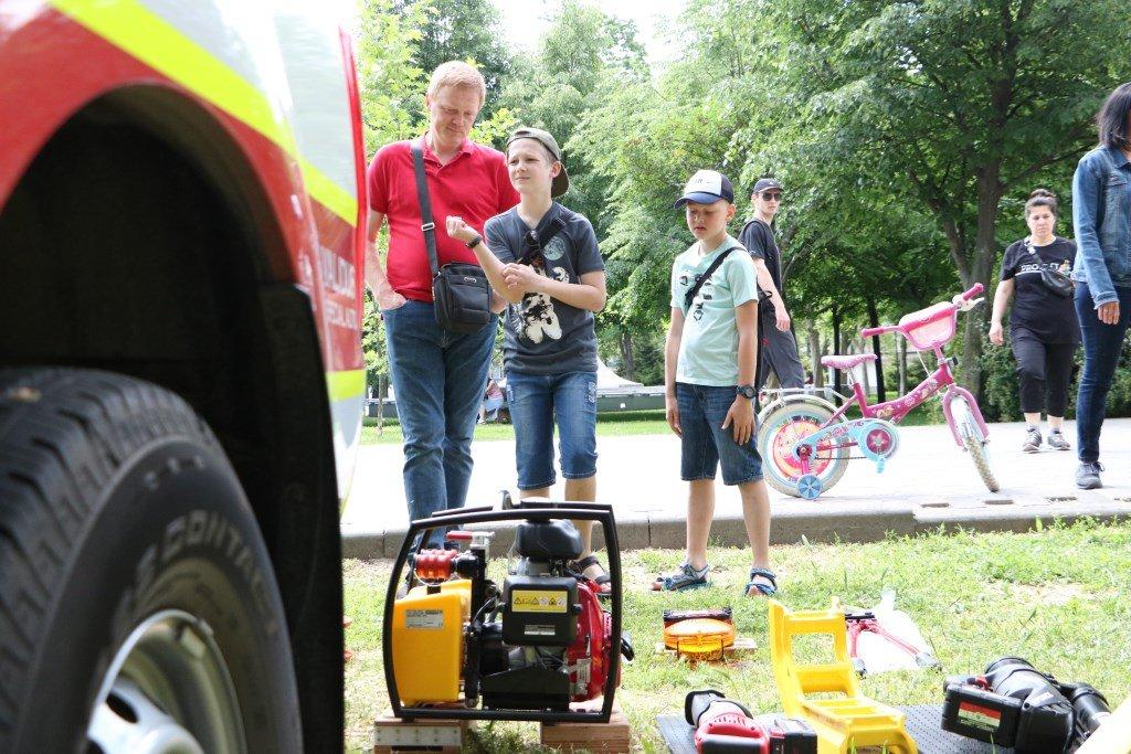 На Днепропетровщине спасатели провели масштабную благотворительную Акцию «Спасем Алису Шевчик», фото-1