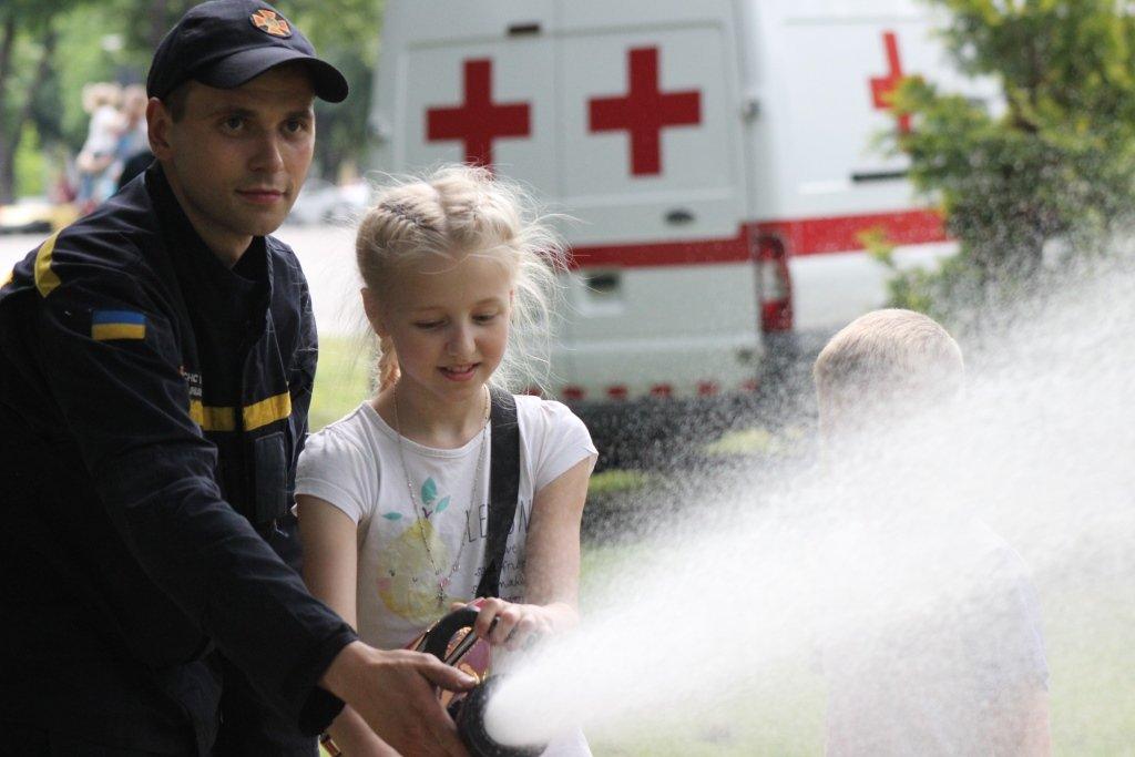 На Днепропетровщине спасатели провели масштабную благотворительную Акцию «Спасем Алису Шевчик», фото-8