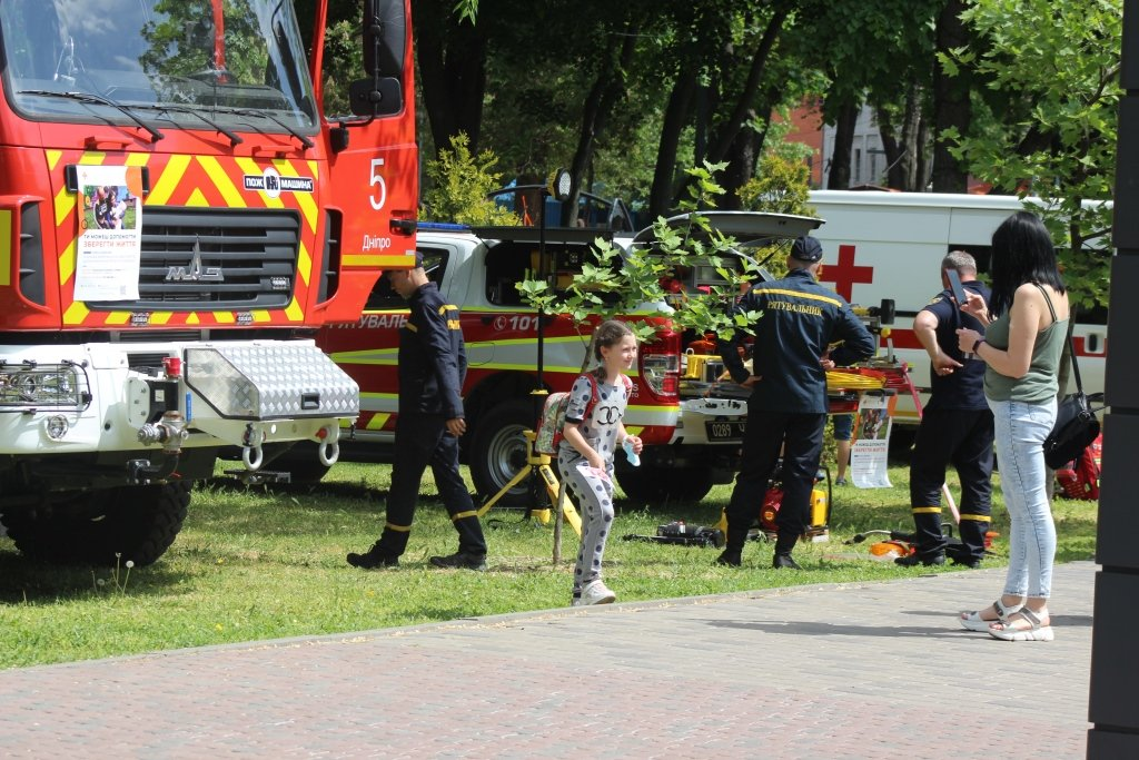 На Днепропетровщине спасатели провели масштабную благотворительную Акцию «Спасем Алису Шевчик», фото-7