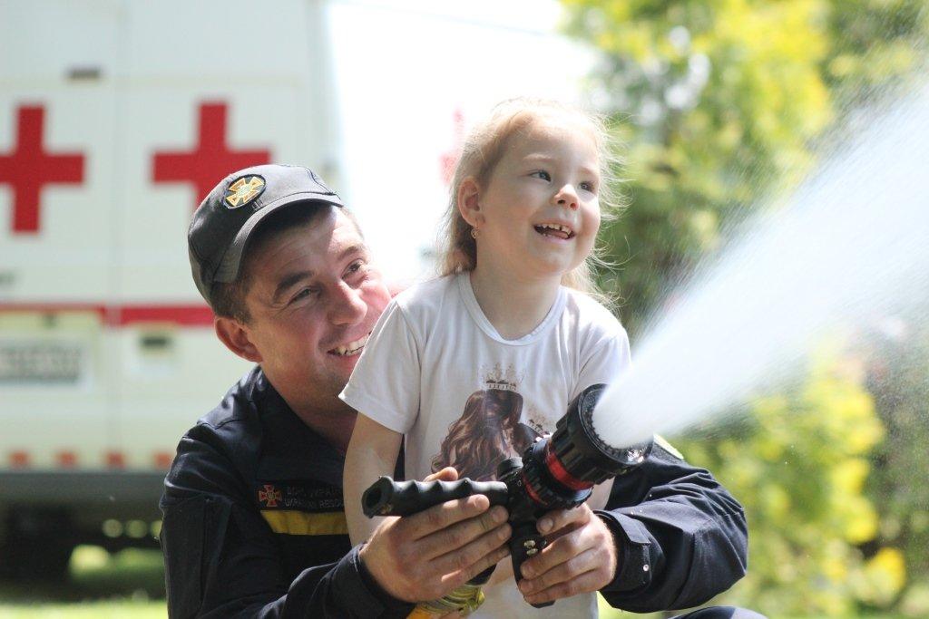 На Днепропетровщине спасатели провели масштабную благотворительную Акцию «Спасем Алису Шевчик», фото-22