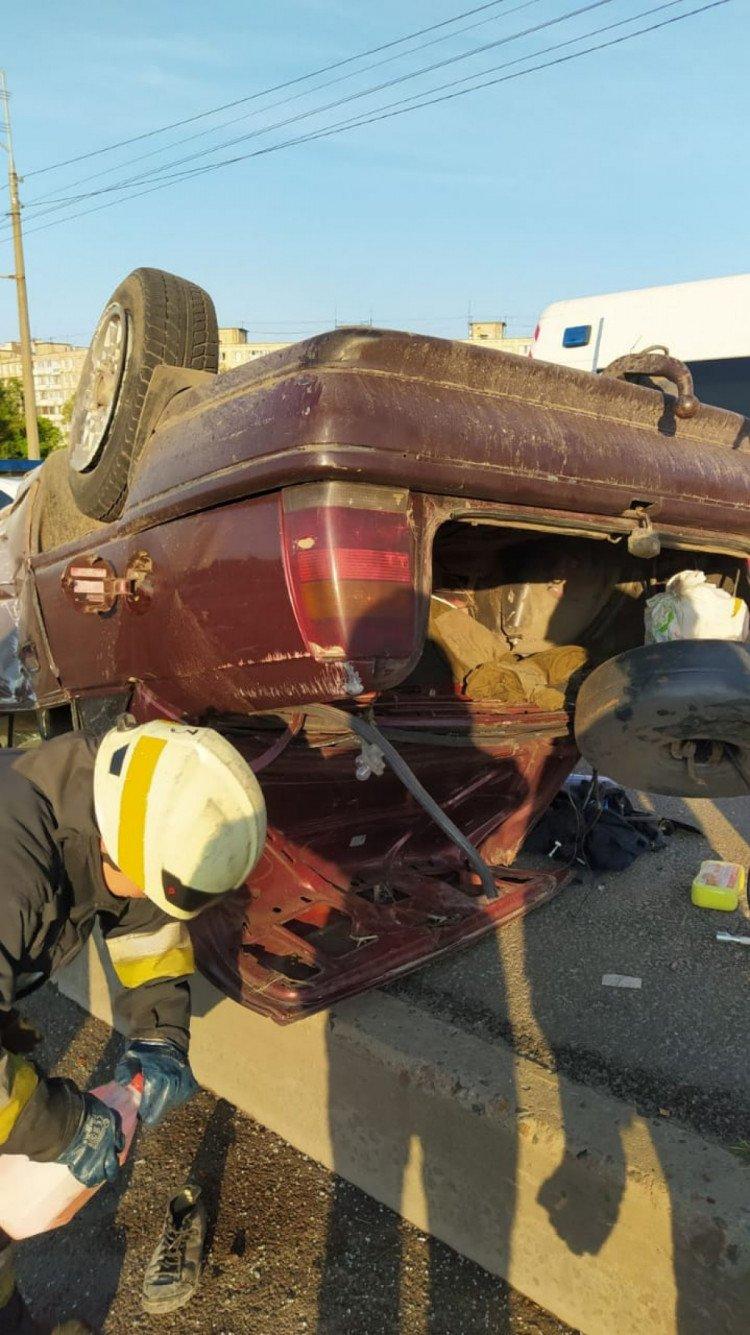 В Днепре утро спасателей началось с перевернутых машин, - ФОТО, ВИДЕО, фото-1