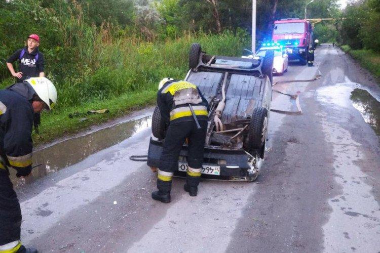 В Днепре утро спасателей началось с перевернутых машин, - ФОТО, ВИДЕО, фото-3