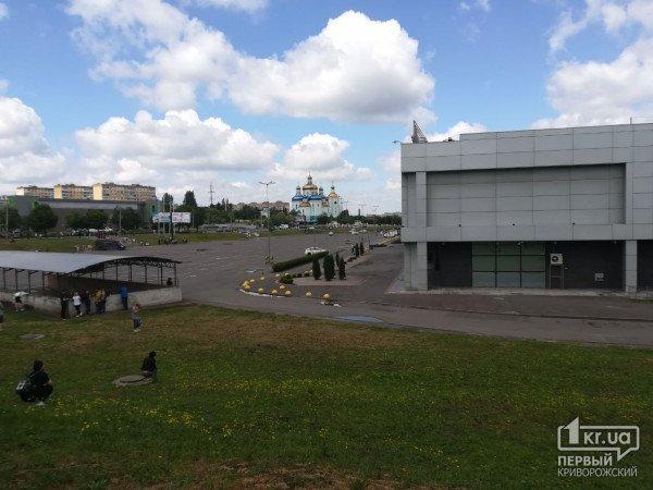 На Днепропетровщине экстренно эвакуировали посетителей торгового центра, фото-2