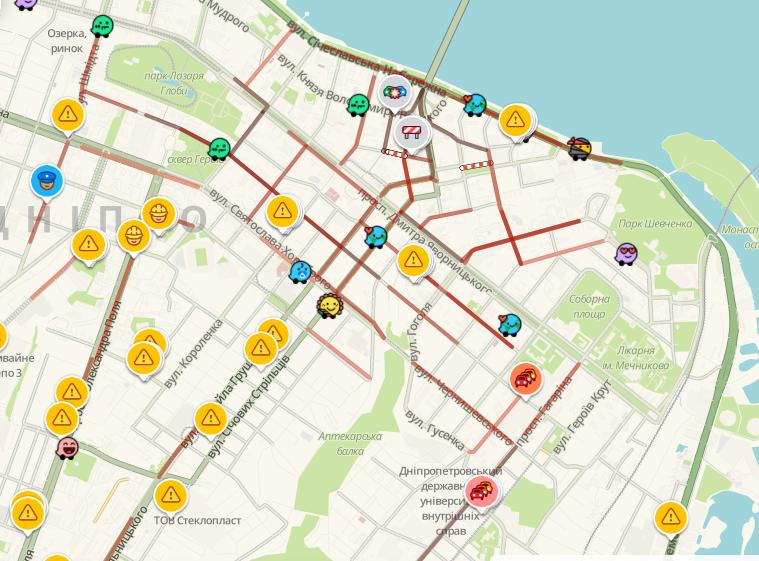 Из-за непогоды город Днепр застыл в пробках: какие улицы лучше объезжать, фото-1