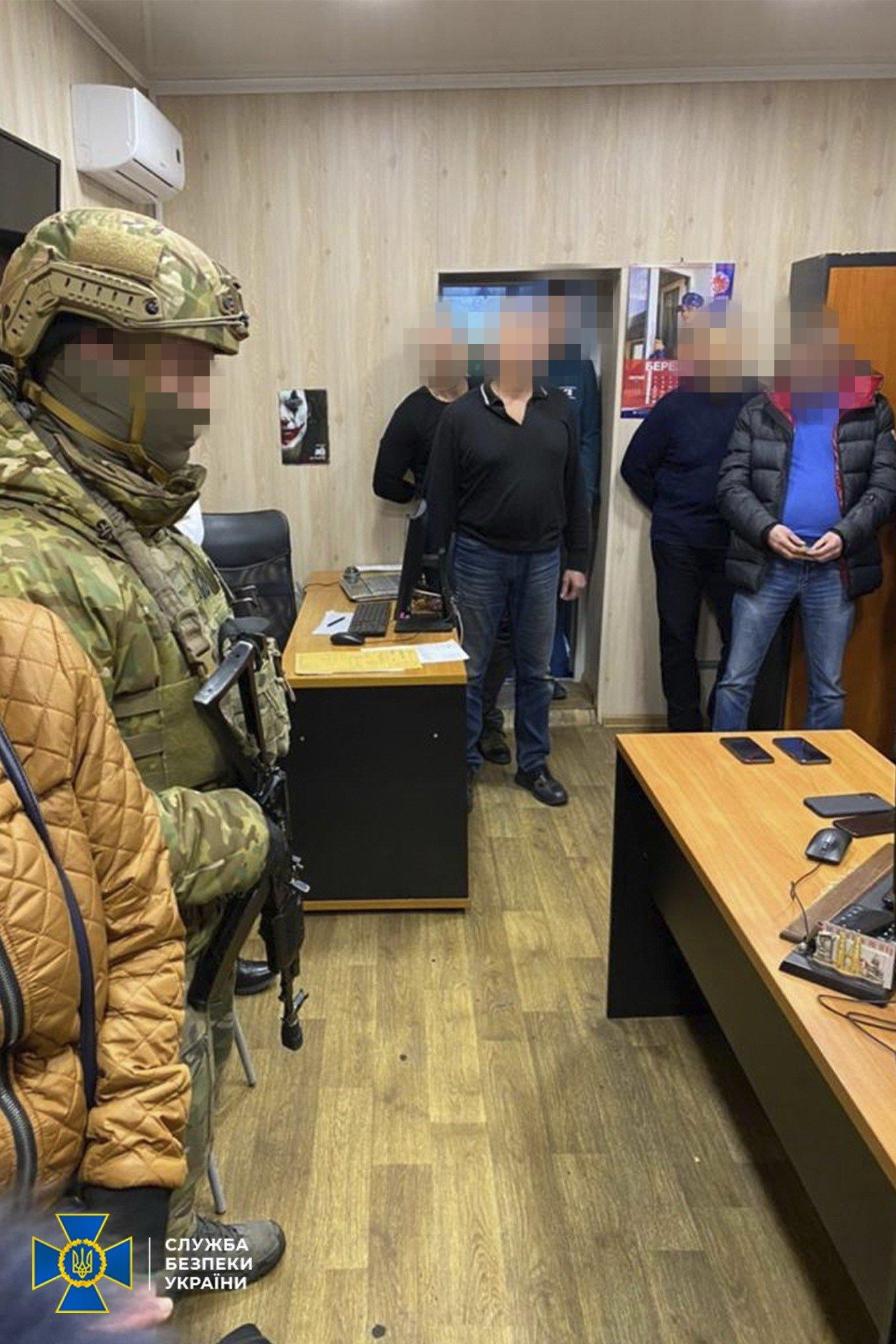 """В Днепре один из начальников таможни попался на взятке: СБУ накрыла схему на """"растаможке"""", фото-1"""