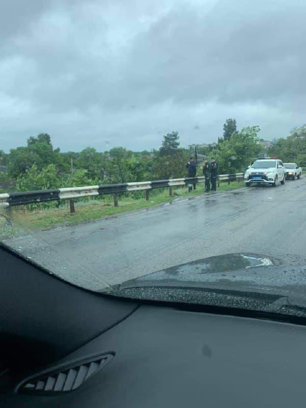 На Днепропетровщине дожди смывают стратегически важный автомобильный мост , фото-1