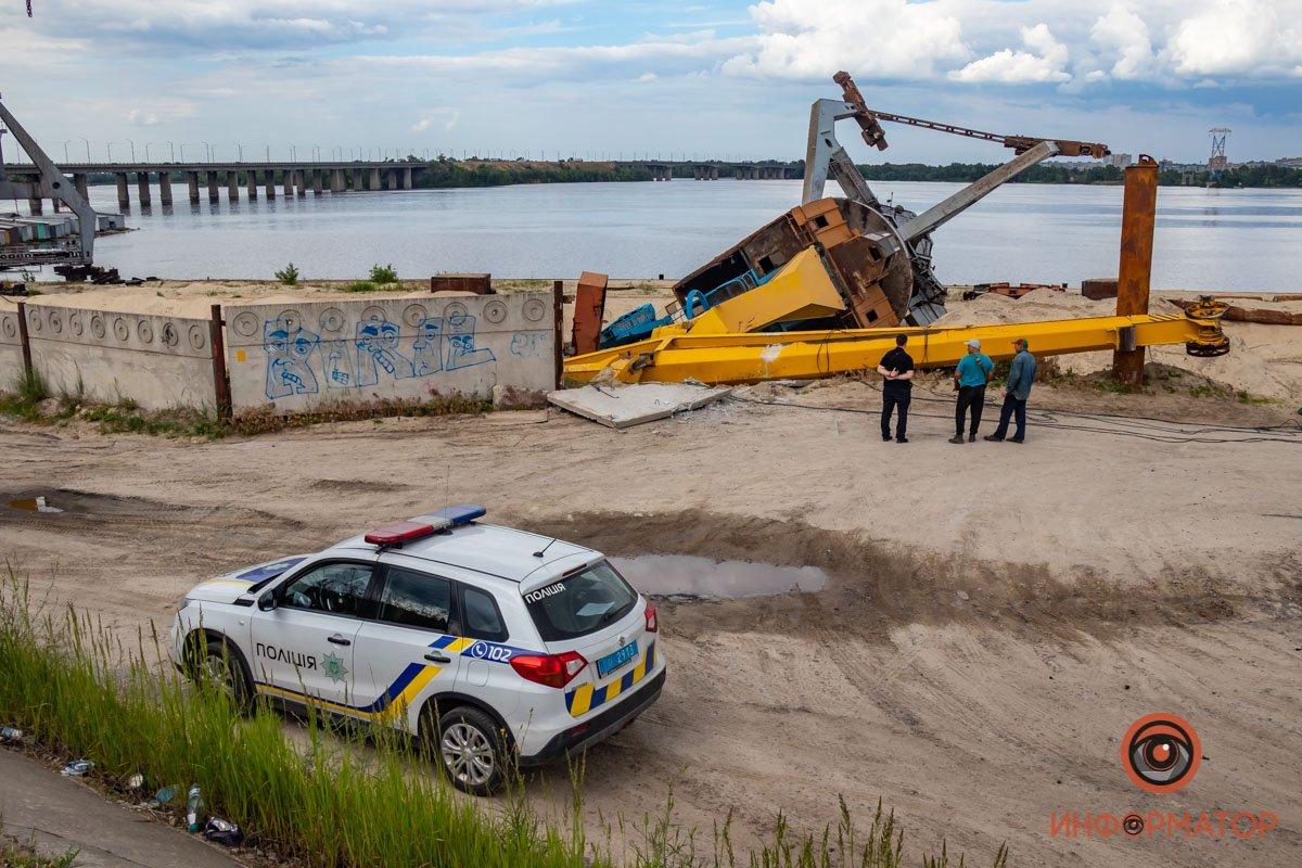 В Днепре возле моста упал высотный кран: на этот раз без погибших, фото-2