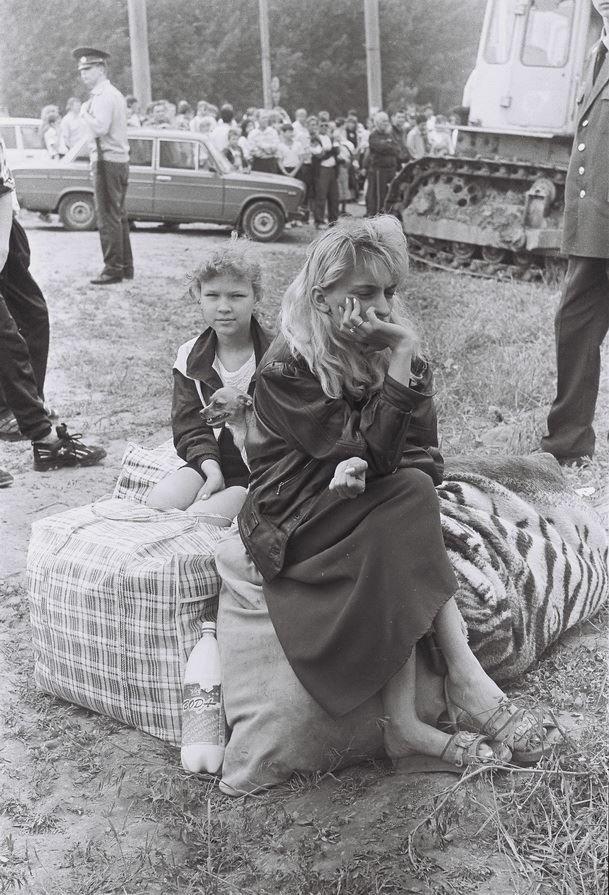 """Трагедия на """"Тополе"""" в Днепре: 24 года назад под землю ушли школа и многоэтажка, - уникальные фото, фото-6"""