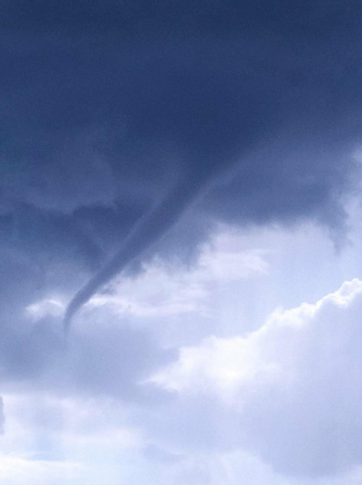 На Днепропетровщине пронеслось торнадо , фото-1