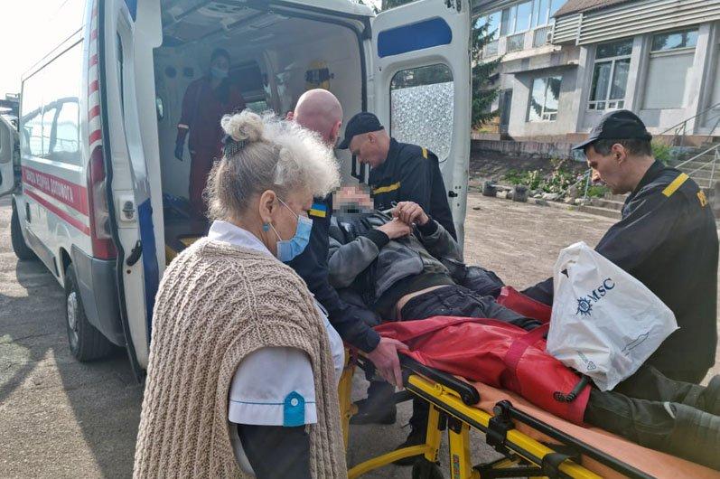 На Днепропетровщине чрезвычайники вытащили из речки тонущего рыбака, фото-2