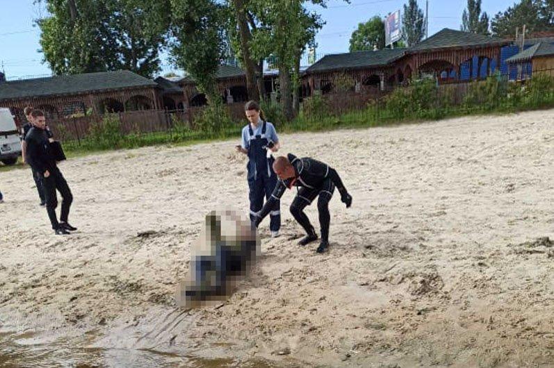 В Днепре из реки достали труп мужчины: подробности, фото-1