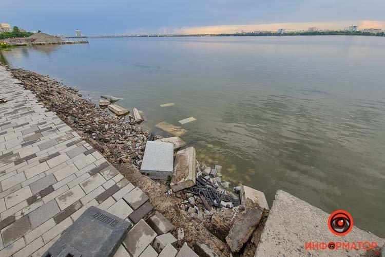 В Днепре обвалился еще один участок Набережной, фото-2