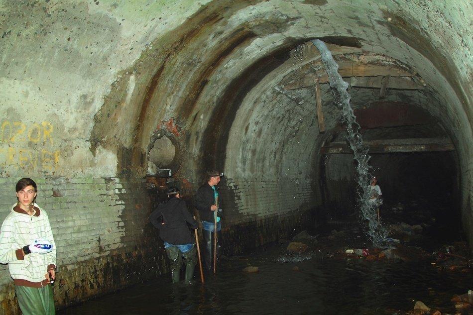 Спрятанные сокровища и таинственные гроты: легенды загадочных подземелий на Соборной горе Днепра, фото-2