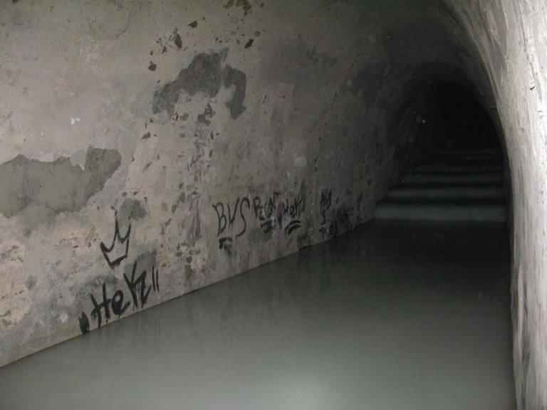 Спрятанные сокровища и таинственные гроты: легенды загадочных подземелий на Соборной горе Днепра, фото-4