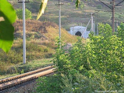 Поезда-призраки и таинственные могилы: какие легенды хранит Тоннельная балка в Днепре, фото-3