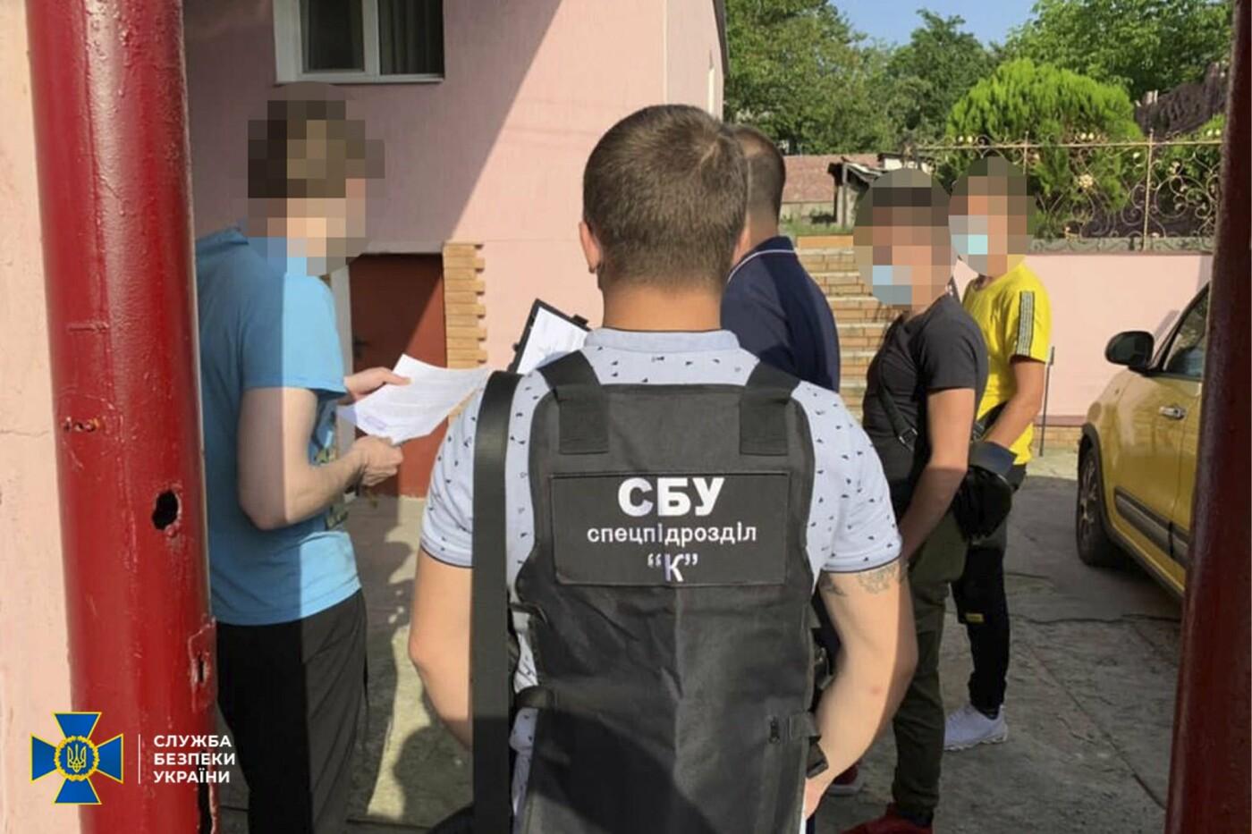 В Днепре работник тюрьмы организовал коррупционную схему и вымогал деньги у заключенных, фото-2