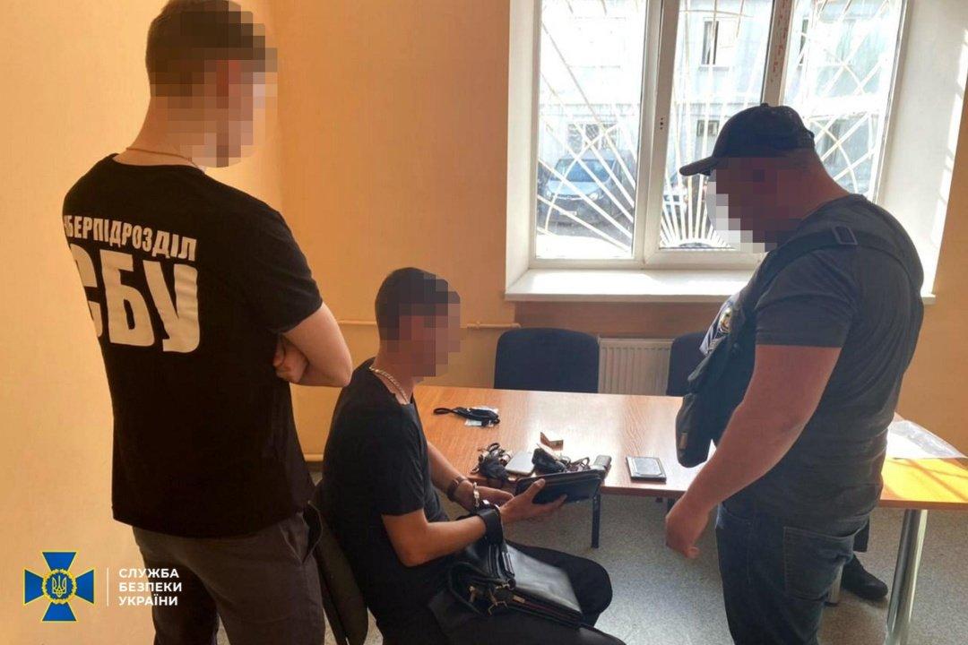Обманул тяжелобольных на миллионы: в Днепре поймали международного афериста, фото-1