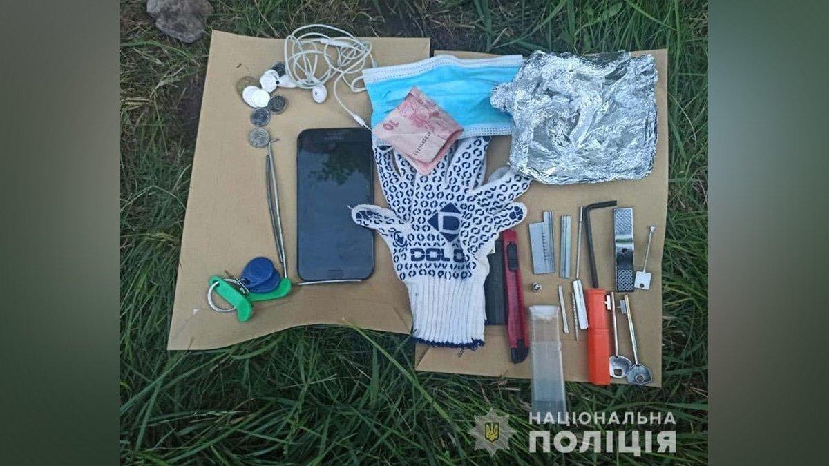 В Днепре домушники вскрыли квартиру и попались полиции, фото-2