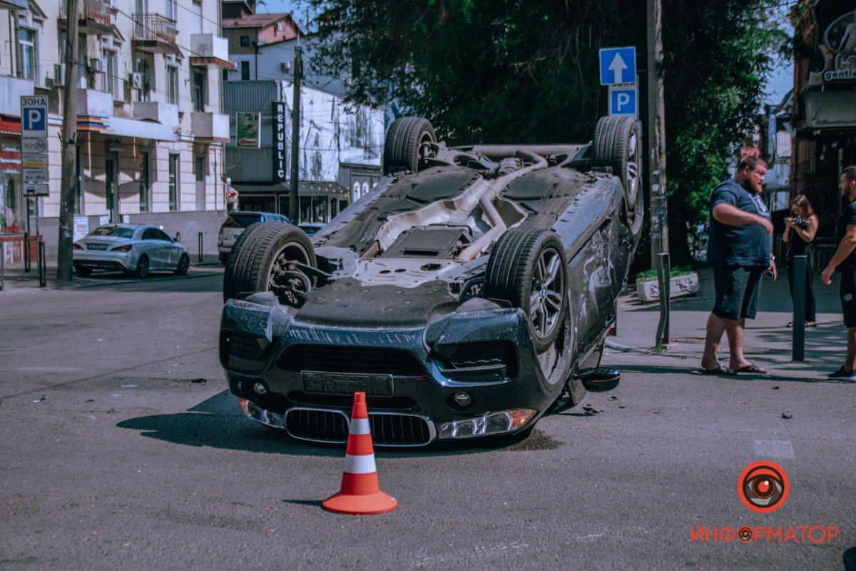 В центре Днепра от столкновения с Hyundai, BMW отлетел и приземлился на крышу , фото-4