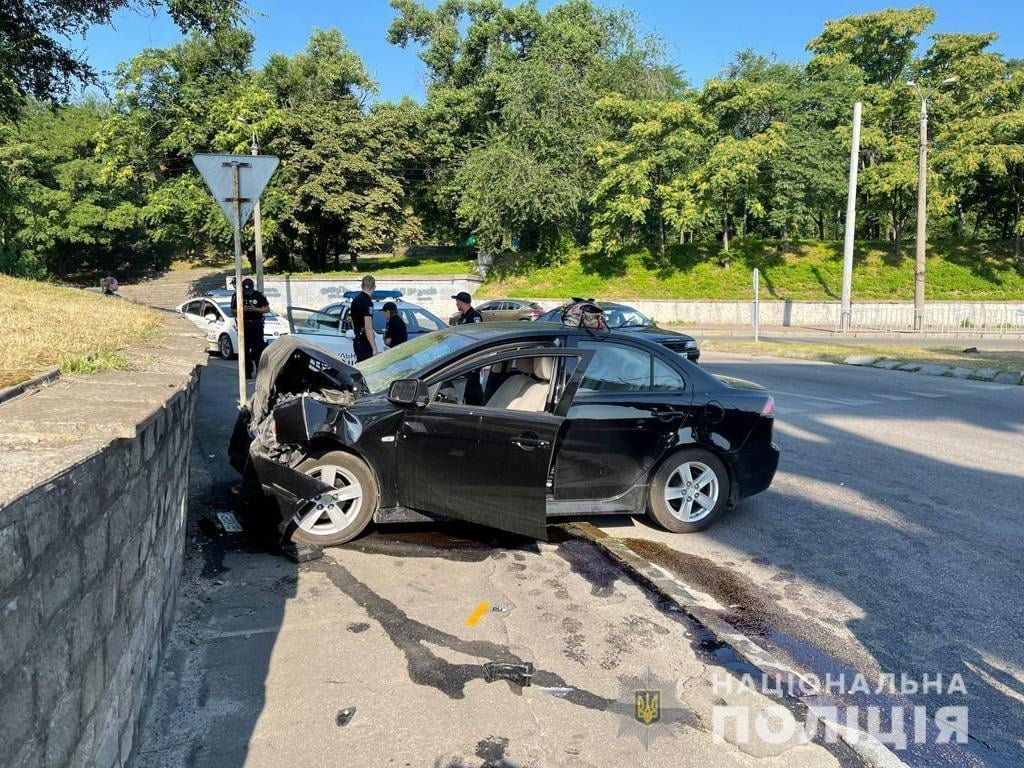 В Днепре на набережной в аварию попали две женщины: полиция выяснила причину их гибели, фото-1