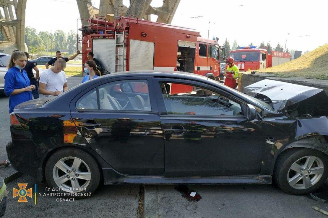 В Днепре на набережной в аварию попали две женщины: полиция выяснила причину их гибели, фото-2