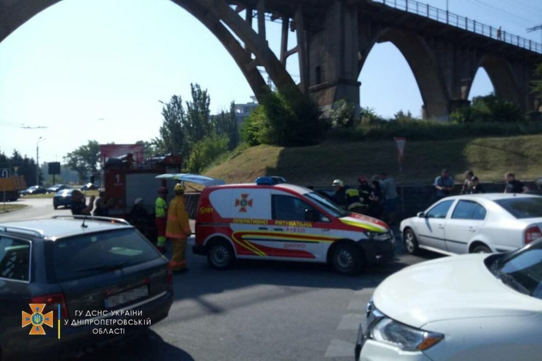 В Днепре на набережной в аварию попали две женщины: полиция выяснила причину их гибели, фото-3