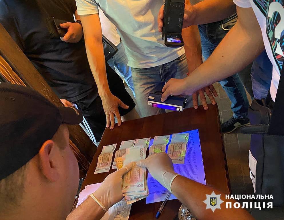 В днепровском ресторане прошла спецоперация по задержанию полицейского, фото-2