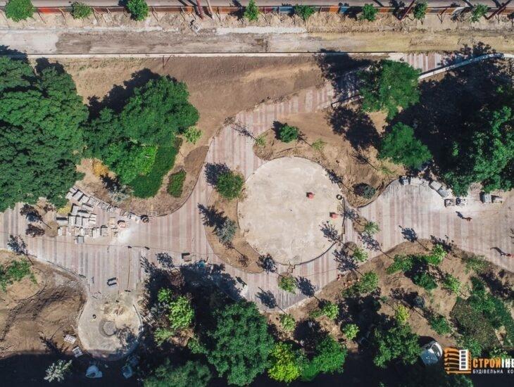 Процесс строительства нового сквера на проспекте Слобожанском показали с высоты птичьего полета, - ФОТО, фото-1